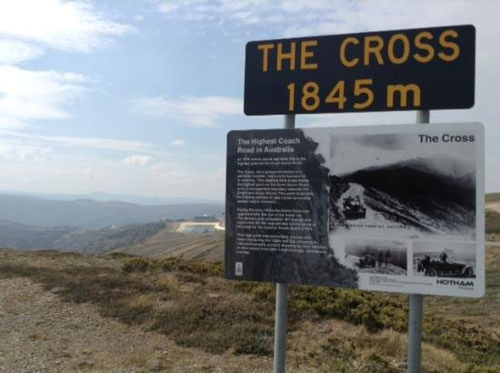 Great-Alpine-Road-Committee-signage-copywriting